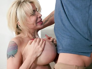 Perfect milf with big tits sucks say no to lassie like a crazy whore