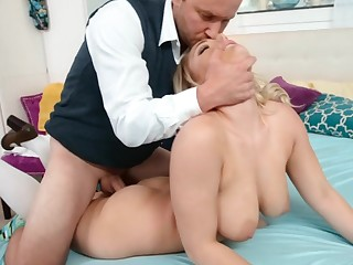 Busty tow-haired has never seen their way step daddy so horny