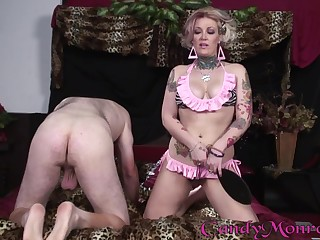 Candy Monroe cuckolds her suppliant to fuck a broad in the beam black cock
